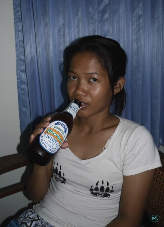 Beerlao White with Oy.JPG
